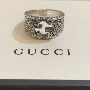 Gucci GG silver ring